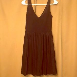 DIVIDED BLACK DRESS SIZE 6